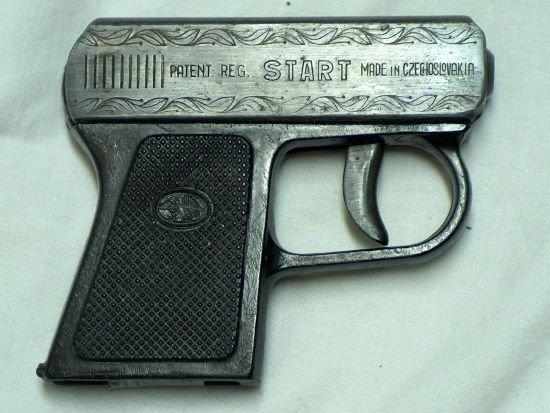 Pavlíček-poplašná pistole