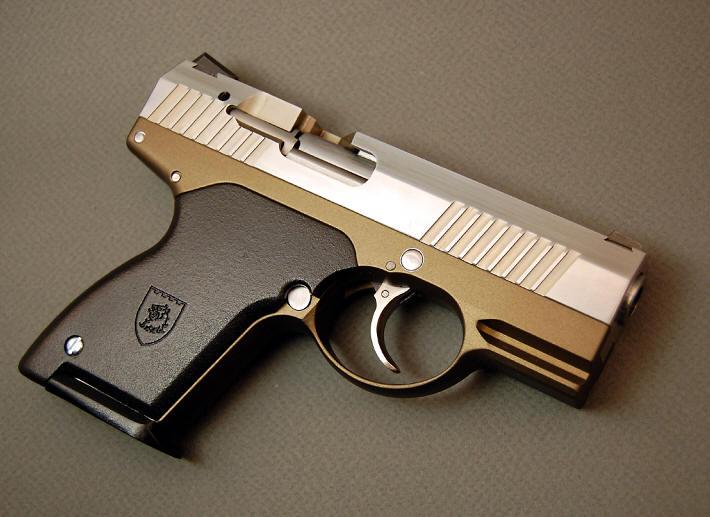 Pistole Boberg XR9
